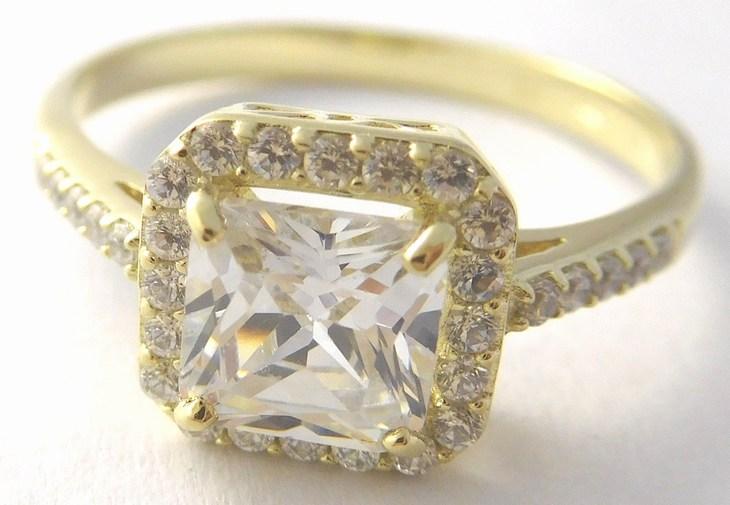 e28c87e48 Mohutný zásnubní zlatý prsten s velkým zirkonem 585/3,27gr vel.52 226041119