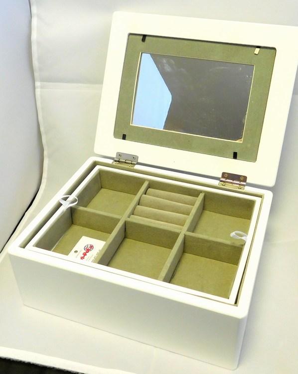 Klenoty Budín Bílá dřevěná šperkovnice na šperky 104804/100002862 se zrcadlem a místem pro fotku