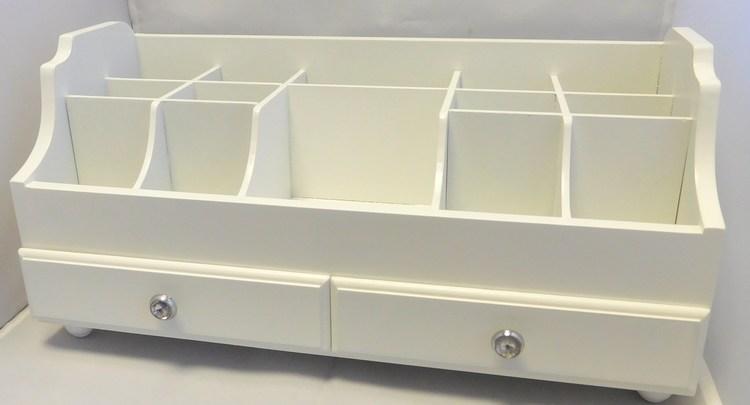 Dřevěná bílá patrová šperkovnice se šuplíčky 109621