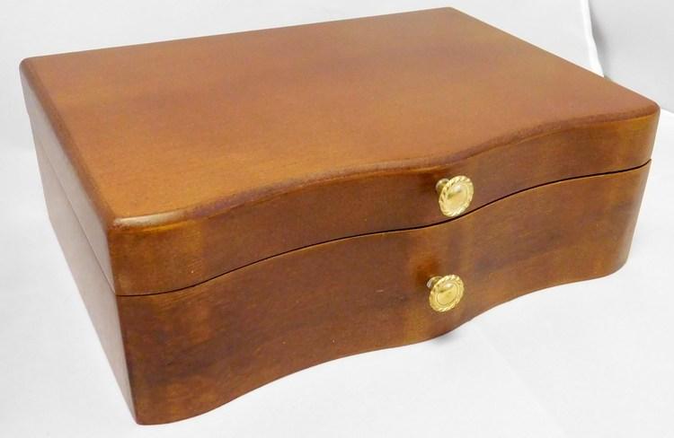 Hnědá dřevěná šperkovnice se třemi boxy MSW15 s proskleným víkem