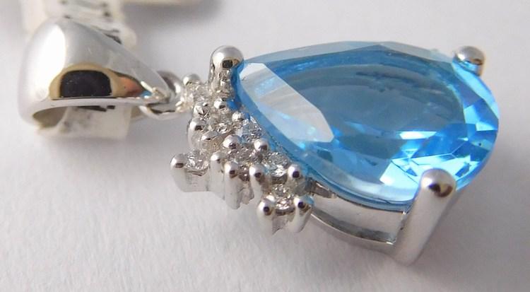 Zlatý diamantový přívěsek s brilianty a velkým modrým topazem 585/0,85gr 3870153