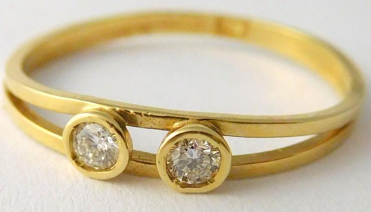 Zlatý diamantový prsten s brilianty (symbol 2 děti) 585/0,95gr vel.52 J-16615-01