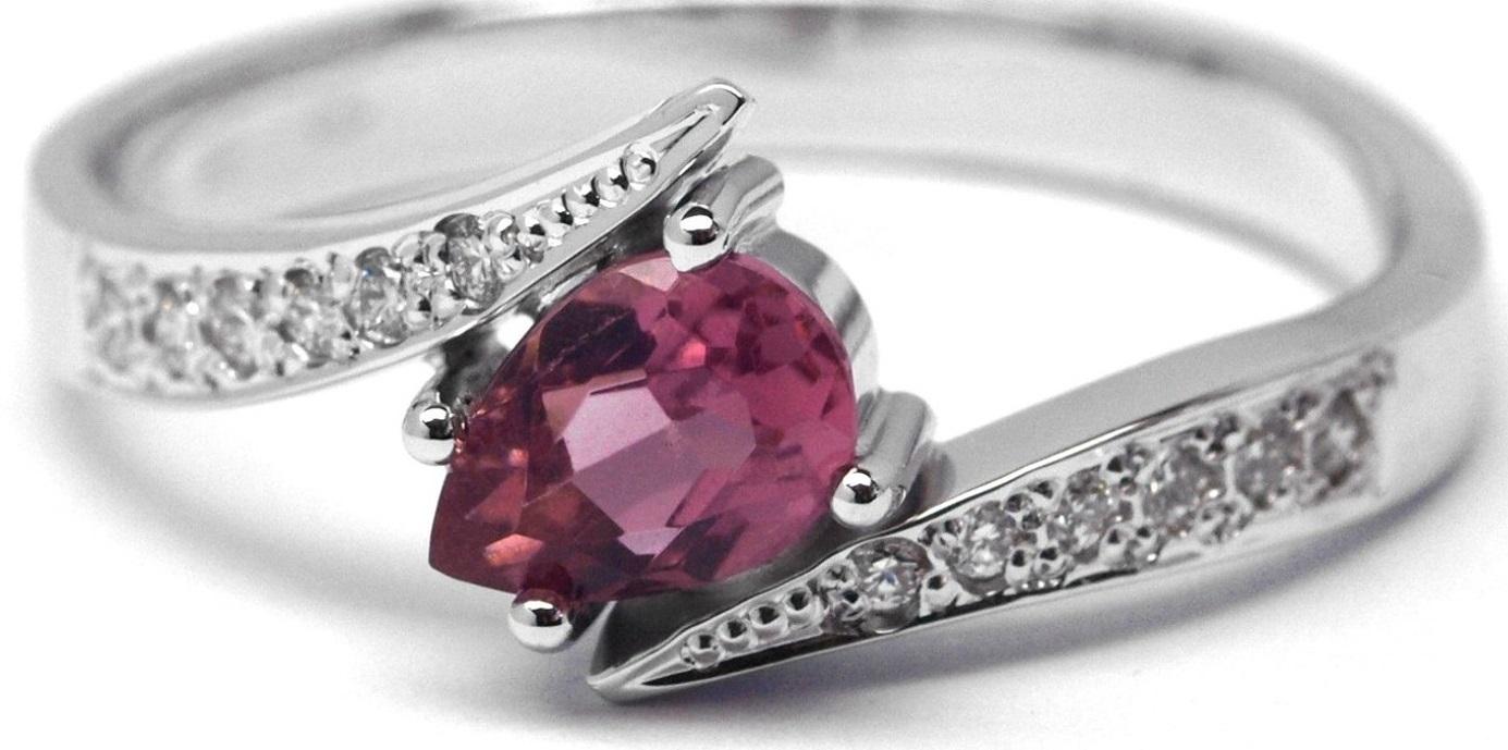 Ručně vyrobený prsten z bílého zlata s růžovým turmalínem a diamanty J-28154-17