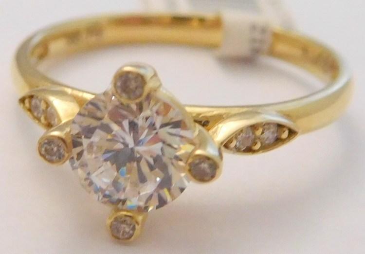 Mohutný zásnubní zlatý prsten ze žlutého zlata s velkým zirkonem 585 ... d8c28ad065f