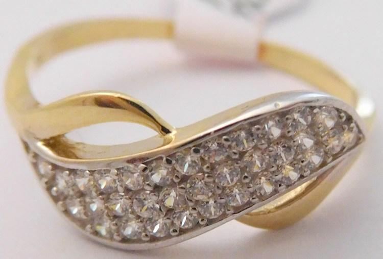 7a6f6e8d2 Mohutný dámský zlatý prsten se zirkony z bílého a žlutého zlata 585/1,53gr  vel. 51 H447