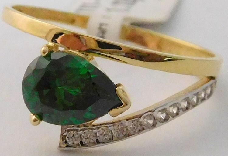Zásnubní mohutný zlatý prsten se zirkony a zeleným smaragdem vel.52 585/1,05gr 1111588