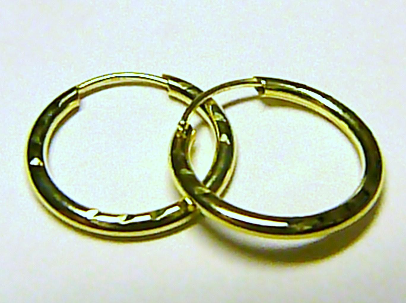 Luxusní zlaté kruhy ze žlutého zlata 585/0,55gr (zlaté kroužky 18mm) T047