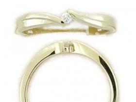 Zásnubní prsten s diamantem, žluté zlato brilianty
