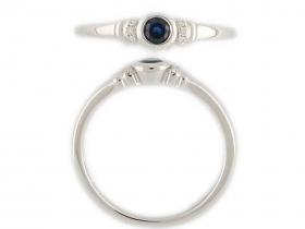Prsten s diamantem, bílé zlato briliant, modrý tmavý safír