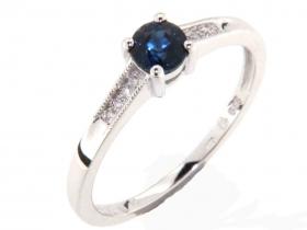 Prsten s diamantem, bílé zlato briliant, safír (3861561-0-54-92)
