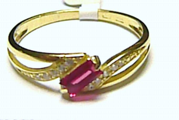 Mohutný luxusní zlatý prstýnek s červeným rubínem vel. 57/1,8 gr S050