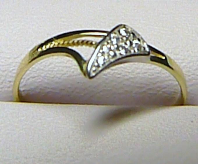 Dámský exkluzivní zlatý prsten ze žlutého zlata se zirkony vel. 57/0,9 gr S051