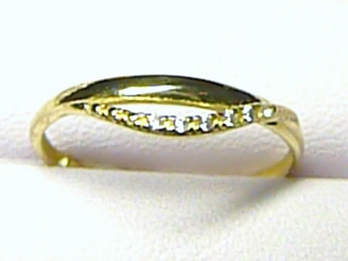 Luxusní dámský zlatý prstýnek se zirkony (6 ks) vel. 56/1,1 gr S053