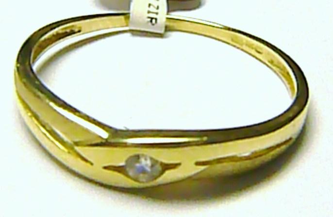 Dámský moderní zlatý prstýnek s jedním zirkonem 585/1,5 gr vel. 59 P169