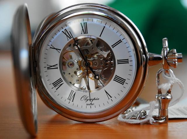 Mechanické kapesní hodinky Olympia 35034 s mechanickým strojkem s natahováním (POŠTOVNÉ ZDARMA!!)