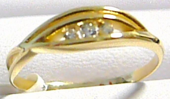 Dámský silný zlatý prstýnek osazený třemi zirkony 585/1,82 gr vel. 60 P191