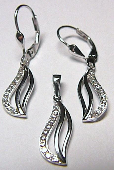 Luxusní dámská stříbrná souprava posetá zirkony (visací náušnice + přívěs) A005