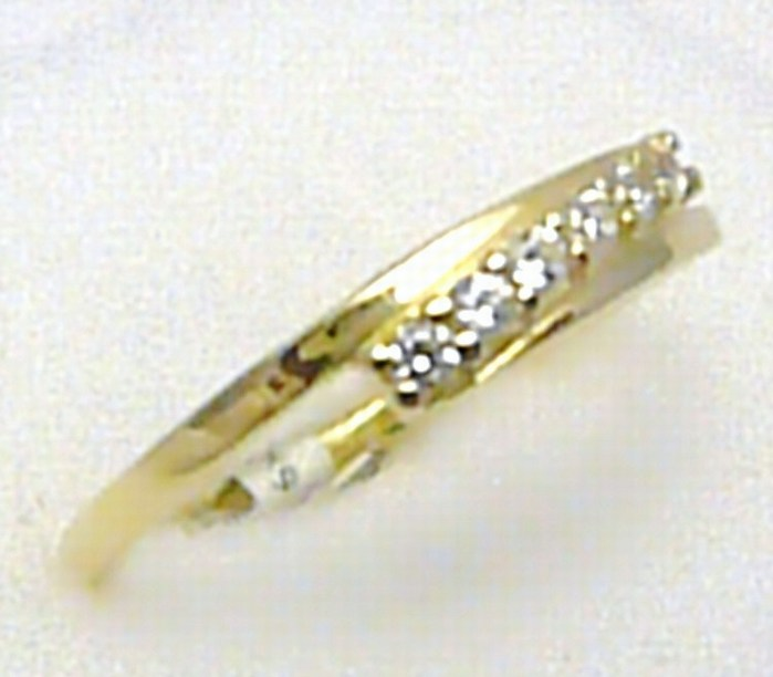 Dámský luxusní zlatý prstýnek se šesti zirkony 585/1,80 gr vel. 60 H232