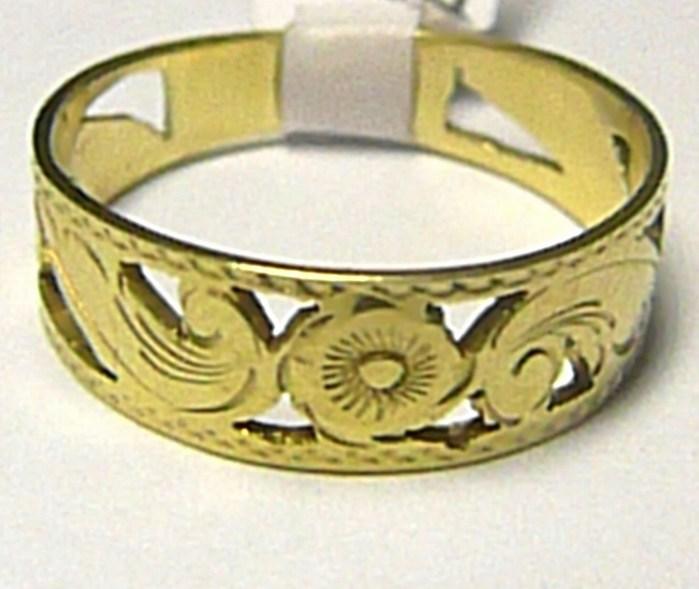 Mohutný silný zlatý prsten s gravírováním 585/3,34gr vel. 62 P361