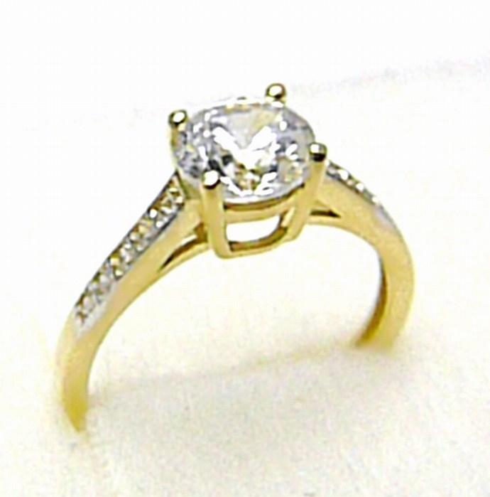 Mohutný zásnubní zlatý prsten se zirkony 11 ks 585/1,82 gr vel. 49 H403