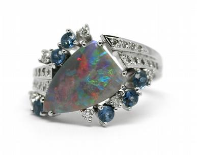 Diamantový prsten s opálem a safíry (1,196ct) 585/4,66 gr J-22237-13