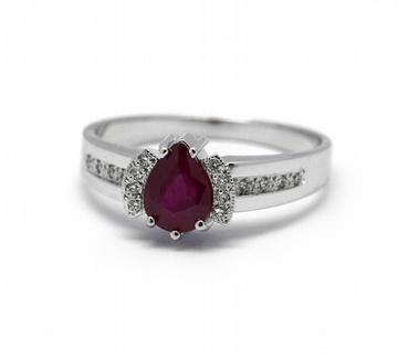 Diamantový prsten se červeným rubínem (1,081ct) 585/3,4 gr J-22134-13