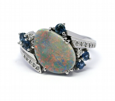 Diamantový prsten s opály a modrými safíry 585/5,25 gr J-22135-13