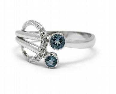 Luxusní prsten s modrým akvamarínem (Brazílie) 585/3,60 gr J-22127-13