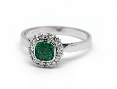 Luxusní prsten se zeleným smaragdem (Brazílie) 585/2,36 gr J-21920-13