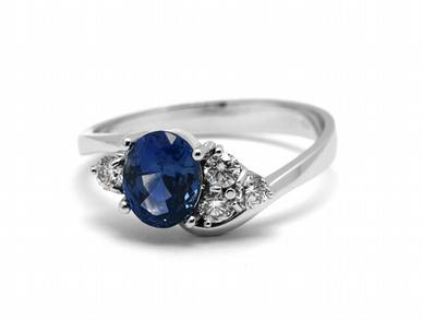 Luxusní diamantový prsten s modrým safírem 585/3,25 gr J-21871-12