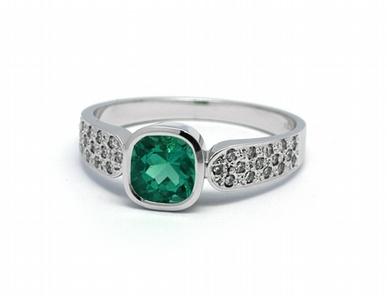 Luxusní diamantový prsten se zeleným smaragdem Kolumbie J-21851-12 (21851-12)