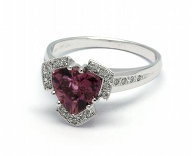 Luxusní diamantový prsten s červeným turmalínem 585/4,32 gr J-21615-12