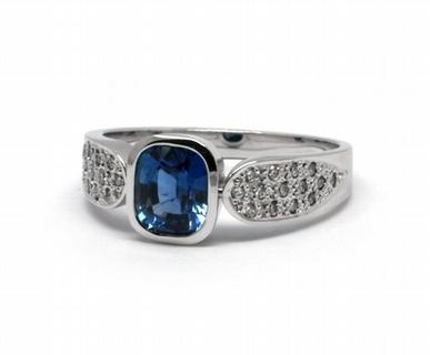 Luxusní zásnubní prsten s modrým safírem 585/5,06 gr J-21366-12 (J-21366-12)