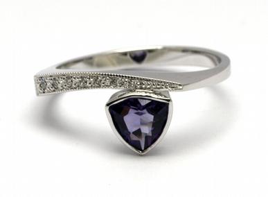 Luxusní zásnubní diamantový prsten s ametystem 585/2,89 gr J-21596-12