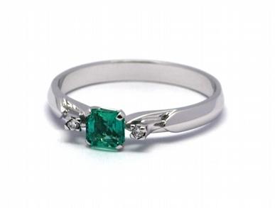 Luxusní zásnubní diamantový prsten se smaragdem 585/2,02 gr J-21376-12