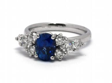 Luxusní zásnubní prsten s modrým safírem 585/5,05 gr J-17932-12 (J-17932-12)