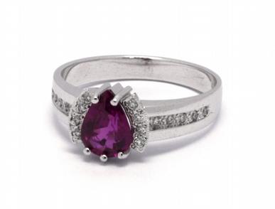 Luxusní zásnubní prsten s červeným rubínem 585/3,54 gr J-21413-12
