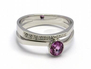 Luxusní zásnubní prsten s růžovým safírem 585/3,83 gr J-21299-12