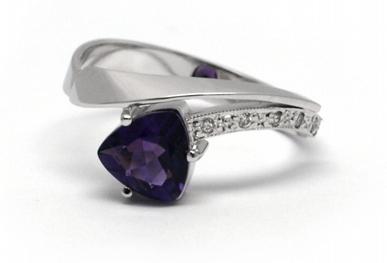 Diamantový zásnubní prsten s ametystem 585/2,21 gr J-20738-12 ( J-20738-12)