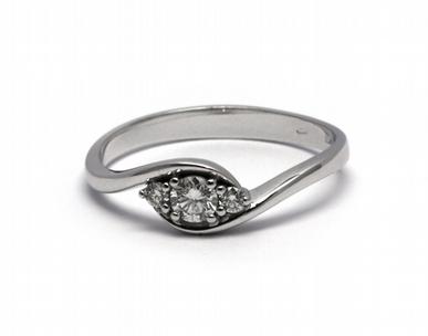 Luxusní zásnubní diamantový prsten 585/1,97 gr J-20777-12 (J-20777-12)