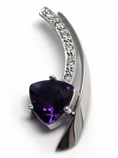 Diamantový zlatý přívěsek s fialovým ametystem 585/1,12 gr J-20737-12