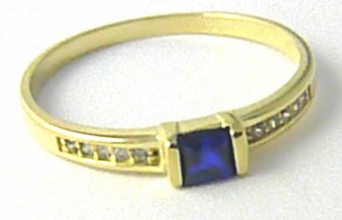 Luxusní zlatý zásnubní prsten se zirkony a modrým safírem vel. 57 585/1,21g Z110