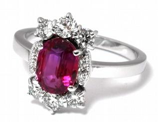 Luxusní velký diamantový zásnubní prsten s rubínem (1,675ct) a diamanty J-20250-