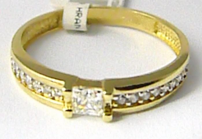 Zásnubní zlatý prsten posetý mnoha zirkony 585/1,77 gr vel. 55 P624 (1110687)