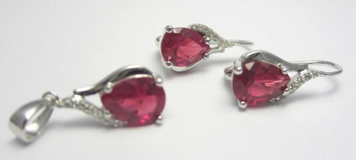 Elegantní stříbrná rhodium souprava s červenými rubíny A029 (30332500001)