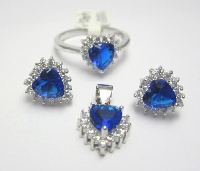 Luxusní rhodium souprava s modrými safíry (prsten,náušnice,přívěsek) A037 (030448600001+030448500004)
