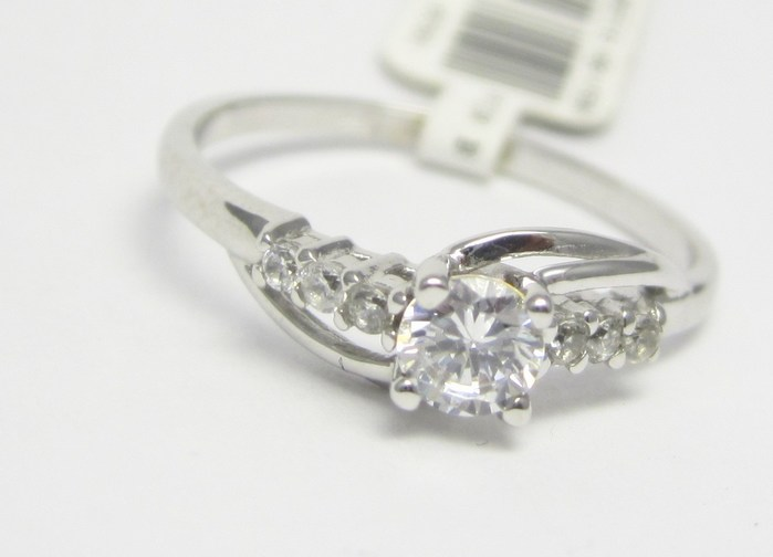 Zlate Zasnubni Prsteny Zasnubni Prsten Z Bileho Zlata Se Zirkony