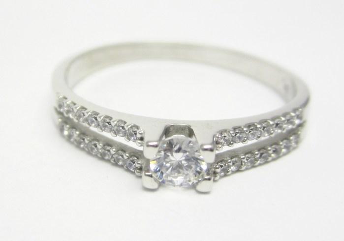 Elegantní zásnubní prsten z bílého zlata se zirkonem 585/1,85gr vel. 54 Z134 (323041333)
