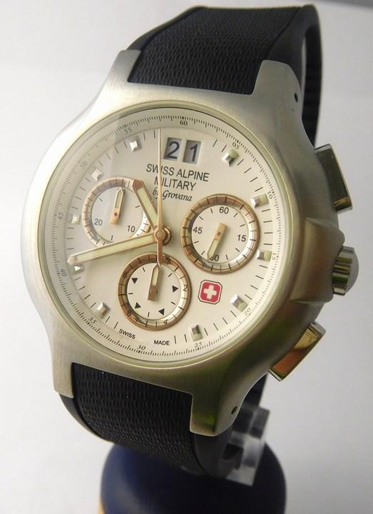 Pánské švýcarské hodinky Swiss Alpine Military by GROVANA 1502.9133 SAM (1502.9133 SAM)