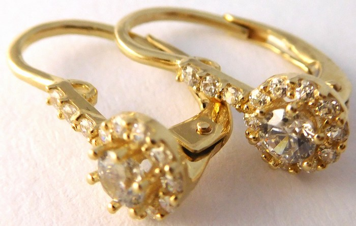 Dámské zlaté náušnice poseté zirkony (klasické) 585 1 a25f4236609